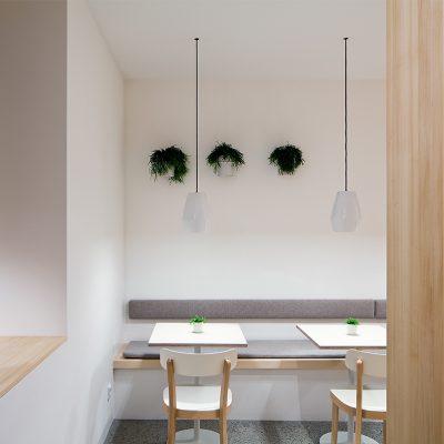 Restaurant-Tische und Barhocker Innsbruck